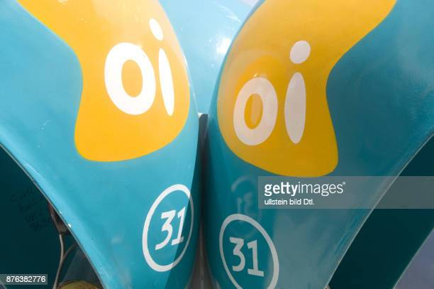 BRAZIL THE NEW OI TELEPHONE OPERATOR USING THE BRAZILIANDESIGNED BIG EAR PUBLIC TELEPHONE BOOTHS IN RIO DE JANEIRO Photo by Julio Etchart CDREF00784