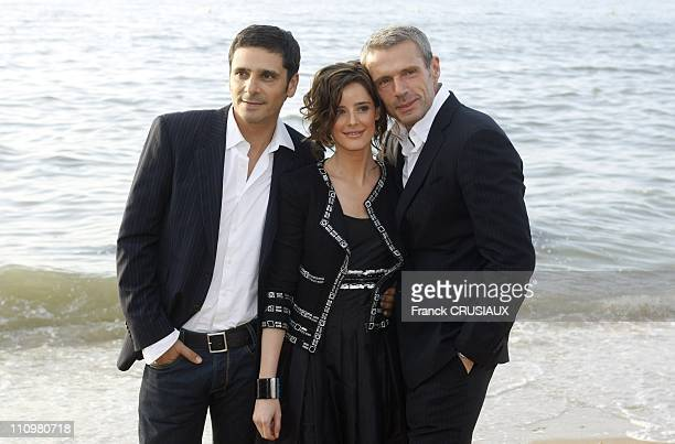 Photo Call Pascal Elbe Pilar Lopez de Ayala and Lambert Wilson for the movie ' Comme les autres' at the 22th Cabourg Film Festival in June 14th 2008