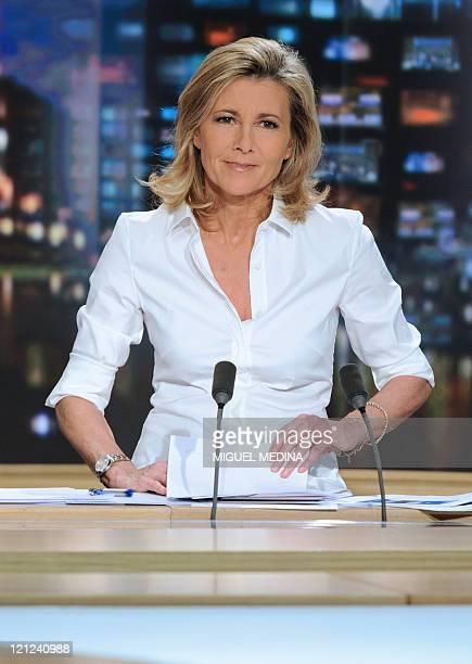 'VINGT ANS DE JOURNAL TELEVISE DE CLAIRE CHAZAL SUR TF1 UN INDEMODABLE' Photo d'archives prise le 21 mars 2010 de la journaliste Claire Chazal sur le...