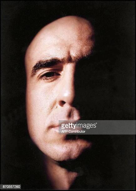 Photo du footballeur français Eric Cantona du Manchester United sous les traits d'un légionnaire au crâne rasé pour une nouvelle campagne de...
