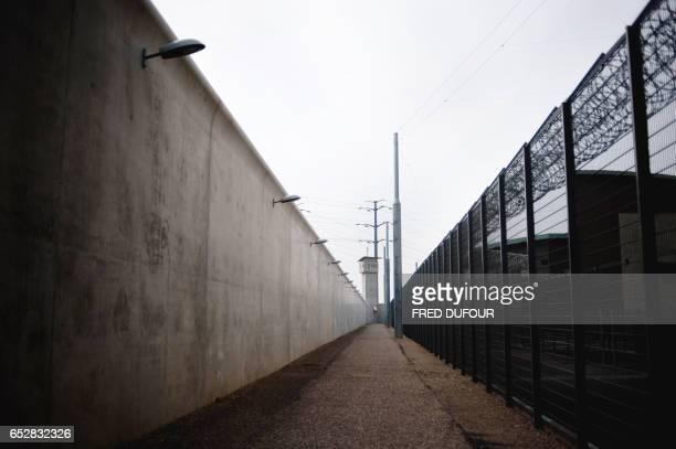 Photo du nouveau centre pénitencier de Corbas prise le 02 avril 2009 dans la banlieue de Lyon AFP PHOTO / FRED DUFOUR / AFP PHOTO / Fred DUFOUR