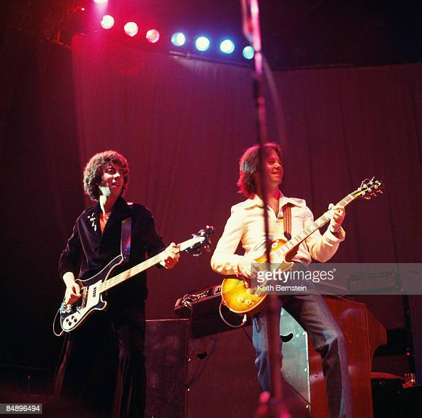 ODEON Photo of 10CC and Graham GOULDMAN and Eric STEWART Graham Gouldman and Eric Stewart performing on stage 259
