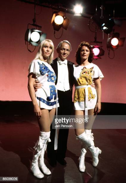 Photo of ABBA 3 ABBA TVspecial Copenhagen 1977 Agnetha Faeltskoghost Bent Fabricius Bjerre and Frida Lyngstad