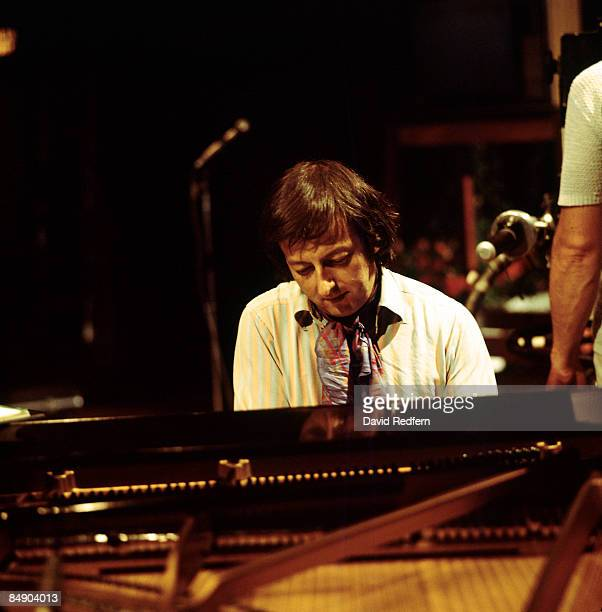 Photo of Andre PREVIN Andre Previn performing on stage piano