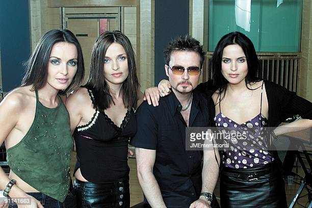 Photo of Andrea CORR and CORRS and Jim CORR and Sharon CORR LR Sharon Corr Caroline Corr Jim Corr Andrea Corr at The Corrs EPK photo shoot