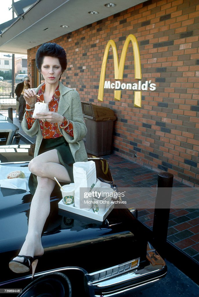 Photo of <a gi-track='captionPersonalityLinkClicked' href=/galleries/search?phrase=Angie+Bowie&family=editorial&specificpeople=679525 ng-click='$event.stopPropagation()'>Angie Bowie</a>