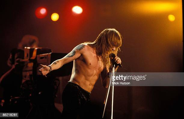 II Photo of Axl ROSE and GUNS N' ROSES and GUNS ROSES and GUNS AND ROSES Axl Rose performing live onstage