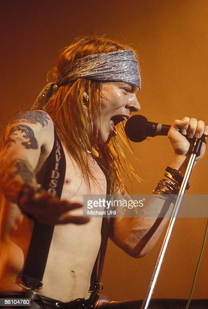 CLUB Photo of Axl ROSE and GUNS N' ROSES and GUNS ROSES and GUNS AND ROSES Axl Rose performing live onstage