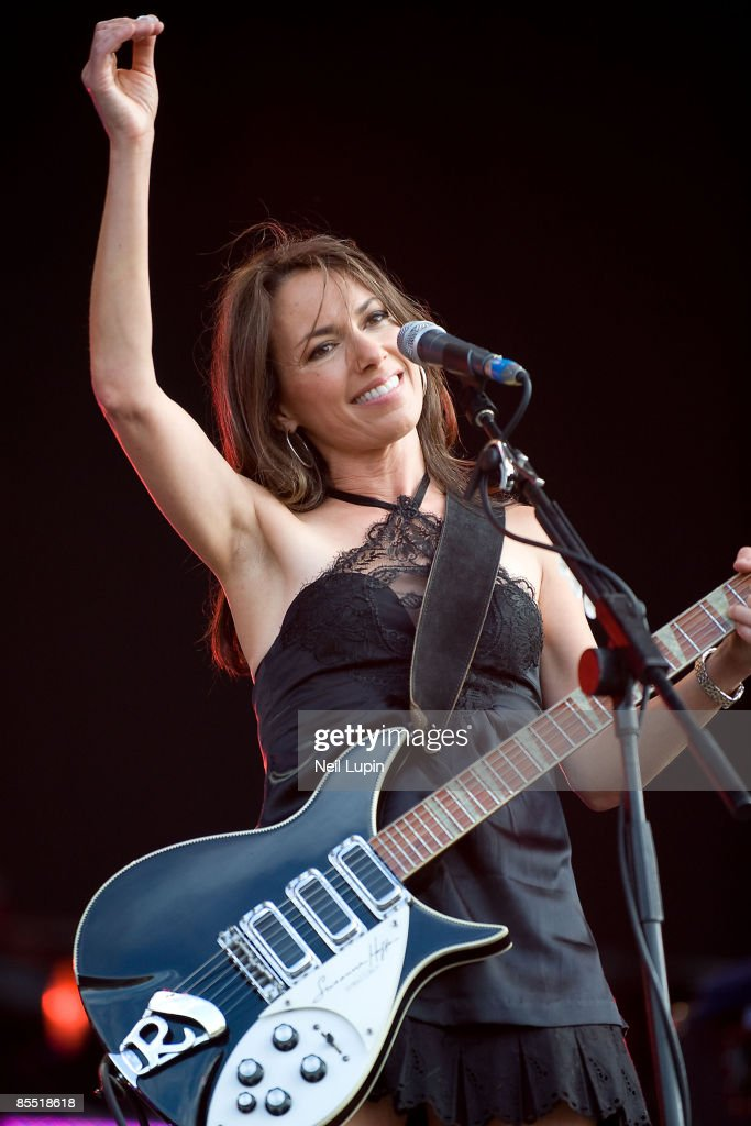 PARK Photo of BANGLES and Susanna HOFFS, Susanna Hoffs performing on stage at Hard Rock Calling