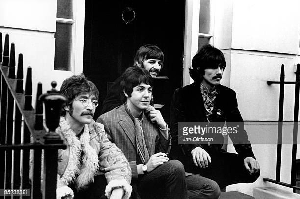 Photo of BEATLES John Lennon Paul McCartney Ringo Starr George Harrison posed group shot outside Brian Epstein's Belgravia house for Sgt Pepper launch