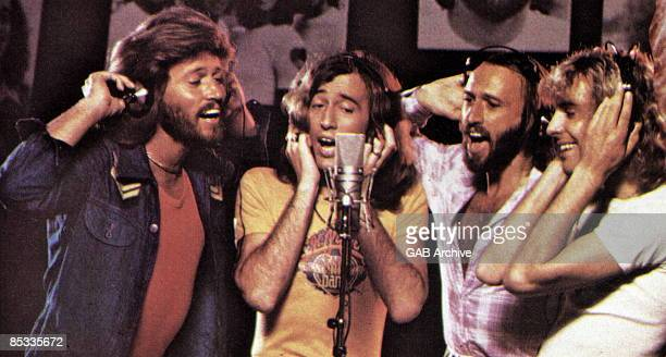 Photo of BEE GEES and Peter FRAMPTON and Barry GIBB and Robin GIBB and Maurice GIBB LR Barry Gibb Robin Gibb Maurice Gibb and Peter Frampton in a...