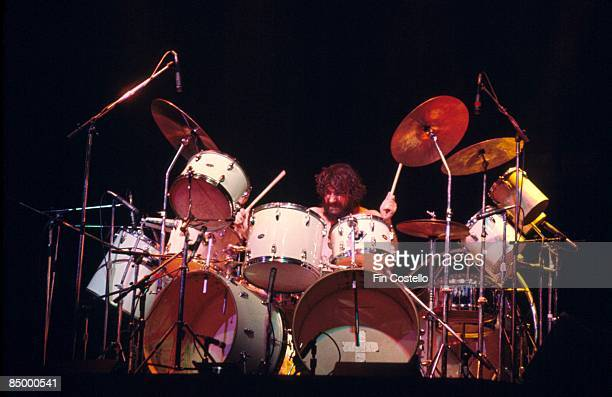 GARDEN Photo of Bill WARD and BLACK SABBATH Bill Ward performing live onstage