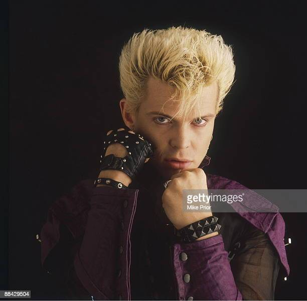 Photo of Billy IDOL Posed studio portrait of Billy Idol