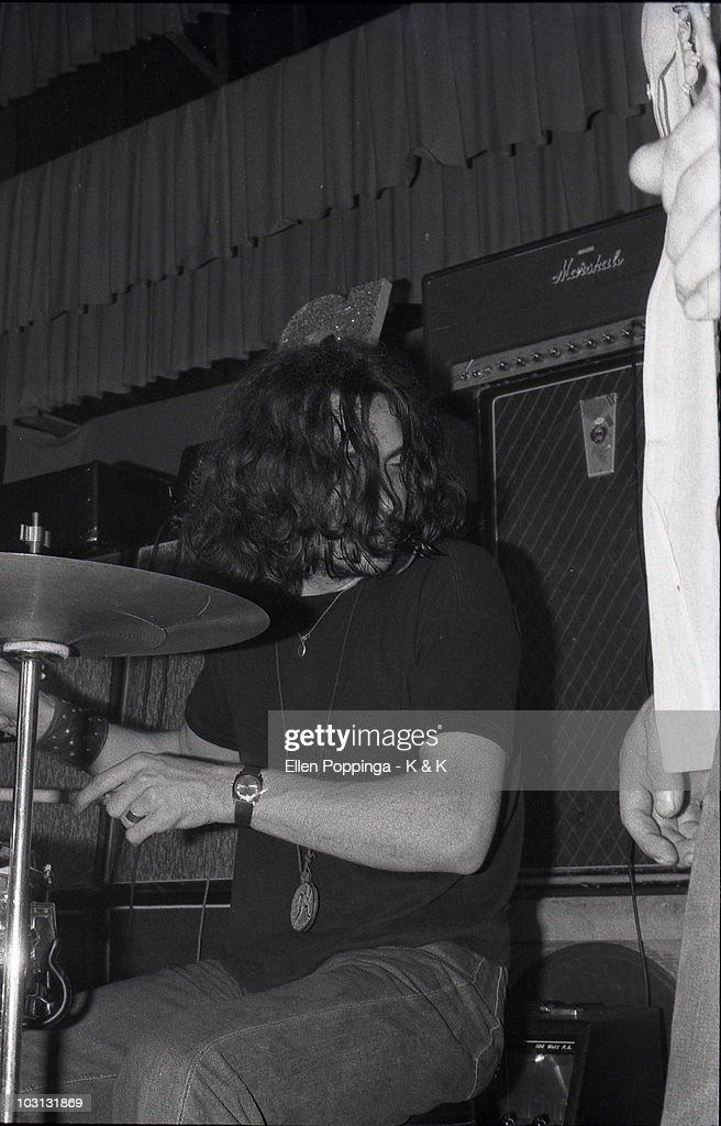 Photo of BLACK SABBATH and Bill WARD, Bill Ward performing on stage as 'Earth' in August 1969