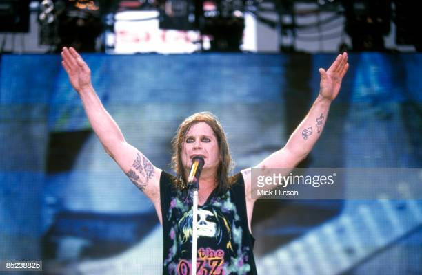 USA Photo of BLACK SABBATH and Ozzy OSBOURNE performing live onstage with Black Sabbath on Ozzfest tour