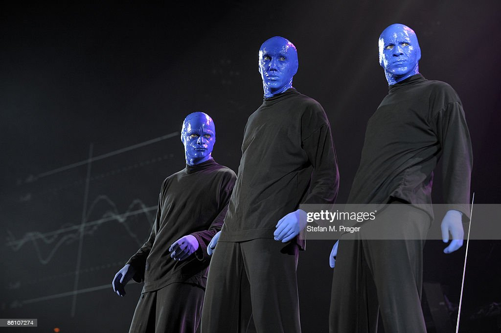 OLYMPIAHALLE Photo of BLUE MAN GROUP, Group performing on stage