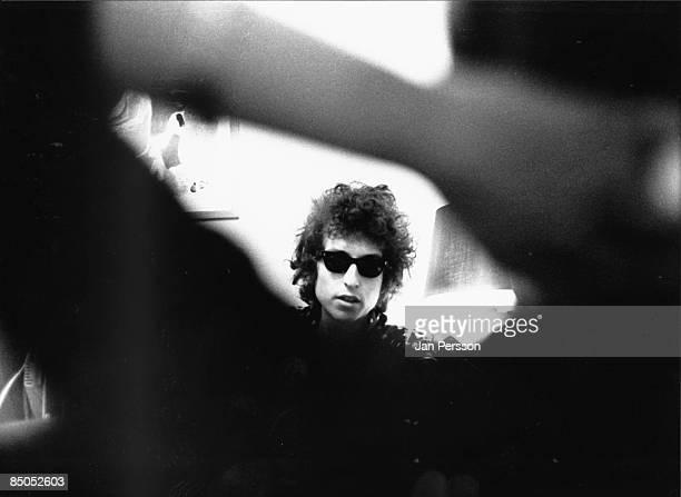 Photo of Bob DYLAN posed headshot