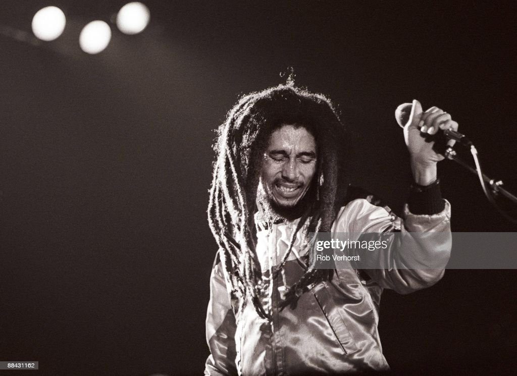AHOY Photo of Bob MARLEY, <a gi-track='captionPersonalityLinkClicked' href=/galleries/search?phrase=Bob+Marley+-+Musician&family=editorial&specificpeople=240470 ng-click='$event.stopPropagation()'>Bob Marley</a> performing on stage