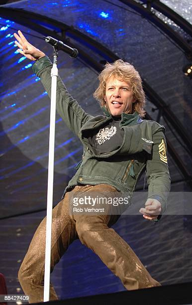 Photo of BON JOVI Jon Bon Jovi playing live at Goffert Nijmegen