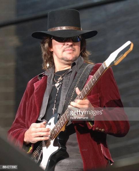 Photo of BON JOVI Ritchie Sambora playing live at Goffert Nijmegen