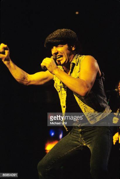 GARDEN Photo of Brian JOHNSON and AC/DC Brian Johnson performing on stage