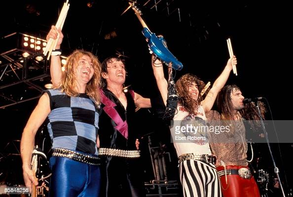 GARDEN Photo of Bruce DICKINSON and Dave MURRAY and Steve HARRIS and IRON MAIDEN and Nicko McBRAIN LR Dave Murray Nicko McBrain Steve Harris Bruce...