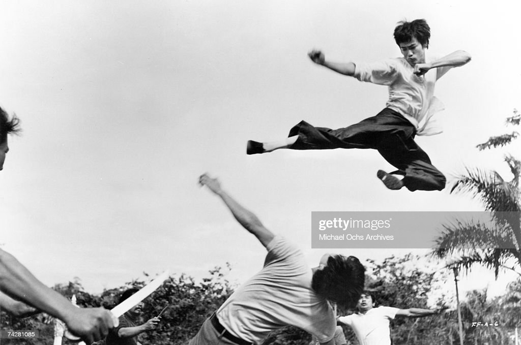 Photo of <a gi-track='captionPersonalityLinkClicked' href=/galleries/search?phrase=Bruce+Lee+-+Actor&family=editorial&specificpeople=453429 ng-click='$event.stopPropagation()'>Bruce Lee</a> Photo by Michael Ochs Archives/Getty Images