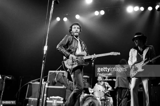 REDBANK Photo of Bruce SPRINGSTEEN and Steven VAN ZANDT Bruce Springsteen and Steven Van Zandt performing on stage Born to Run Tour 48