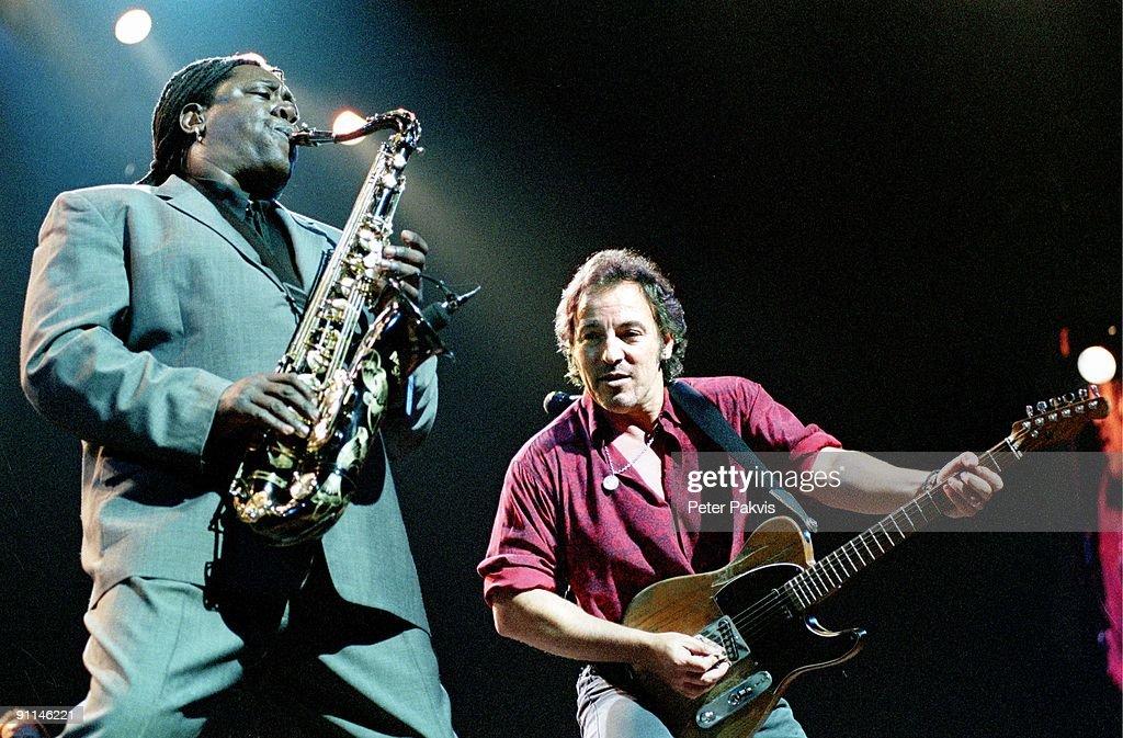ARNHEM Photo of Bruce SPRINGSTEEN, <a gi-track='captionPersonalityLinkClicked' href=/galleries/search?phrase=Bruce+Springsteen&family=editorial&specificpeople=123832 ng-click='$event.stopPropagation()'>Bruce Springsteen</a>, Nederland, Arnhem, 19 juni 1999, Pop, rock, het duo, Bruce op zijn gitaar en Clarence, Clemmons op zijn saxafoon, hier samen in actie