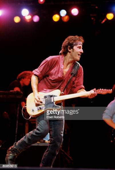Photo of Bruce SPRINGSTEEN Bruce Springsteen performing on stage