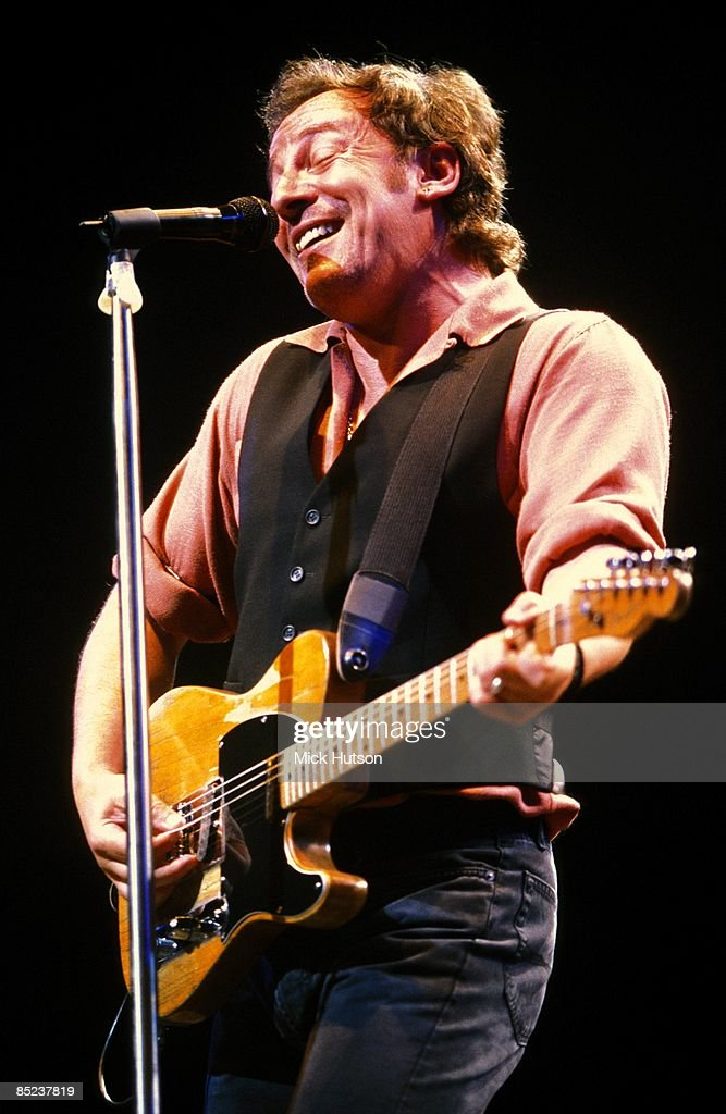 COURT Photo of Bruce SPRINGSTEEN, performing live onstage on Reunion tour