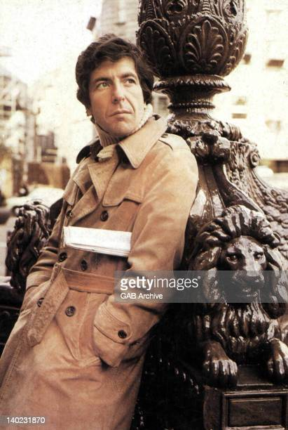 Photo of Canadian singer and songwriter Leonard Cohen posed in 1972