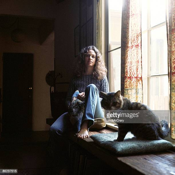 CANYON Photo of Carole KING Tapestry LP cover session