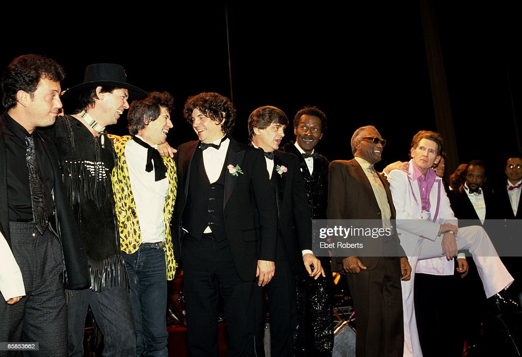 ASTORIA Photo of Chuck BERRY and Billy JOEL and Neil YOUNG and Keith RICHARDS and Don EVERLY and Phil EVERLY and Ray CHARLES and Jerry Lee LEWIS and Sam PHILLIPS and Quincy JONES, L-R Billy Joel, Neil Young, <a gi-track='captionPersonalityLinkClicked' href=/galleries/search?phrase=Keith+Richards+-+Musician&family=editorial&specificpeople=202882 ng-click='$event.stopPropagation()'>Keith Richards</a>, The Everly Brothers, Chuck Berry, Ray Charles, Jerry Lee Lewis, Sam Phillips and Quincy Jones on stage at the Rock and Roll Hall of Fame induction ceremony