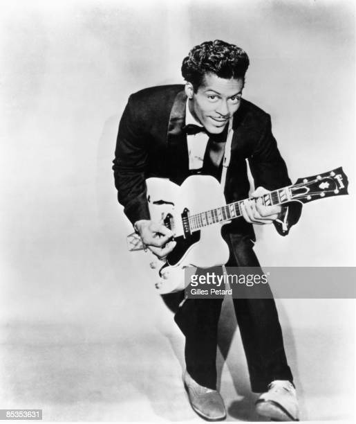 Photo of Chuck BERRY Posed studio portrait of Chuck Berry with Gibson guitar