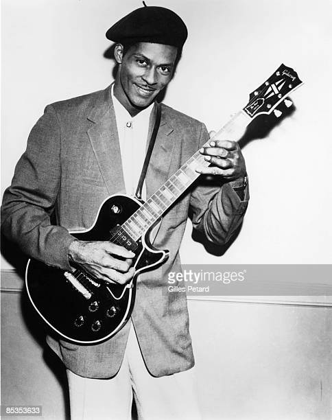 Photo of Chuck BERRY Posed studio portrait of Chuck Berry with Gibson Les Paul guitar