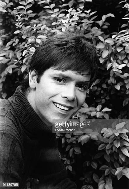 Photo of Cliff RICHARD posed