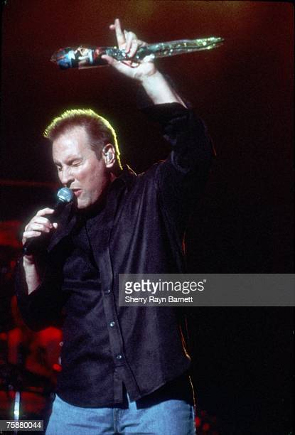 Photo of Collin Raye