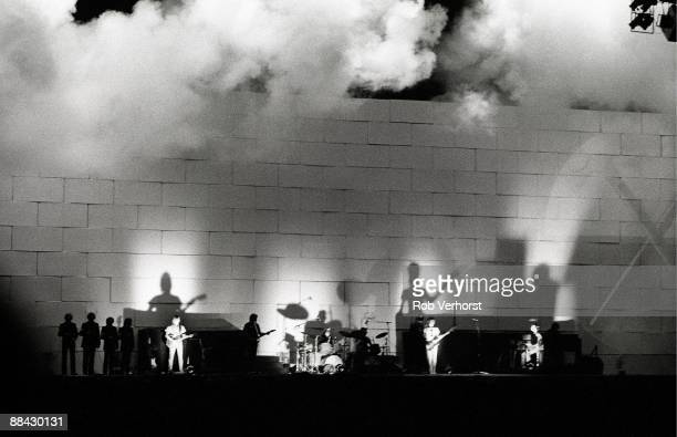 COURT Photo of CONCERT and PINK FLOYD Pink Floyd performing on stage The Wall stage show