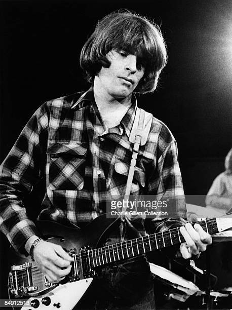 Photo of CREEDENCE CLEARWATER REVIVAL and John FOGERTY of Creedence Clearwater Revival performing live onstage