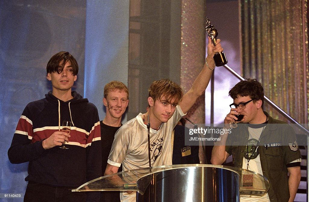 PALACE Photo of Damon ALBARN and Dave ROWNTREE and BLUR and Alex JAMES and Graham COXON LR Alex James Dave Rowntree Damon Albarn Graham Coxon...