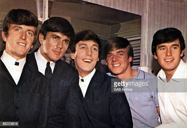Photo of Dave CLARK and Lenny DAVIDSON and Mike SMITH and Rick HUXLEY and Denis PAYTON and DAVE CLARK FIVE Group portrait LR Rick Huxley Dave Clark...