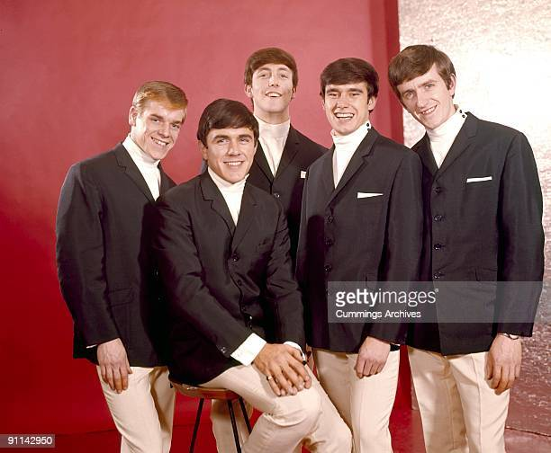 Photo of DAVE CLARK FIVE and Dave CLARK and Rick HUXLEY and Mike SMITH and Denis PAYTON and Lenny DAVIDSON LR Lenny Davidson Dave Clark Mike Smith...