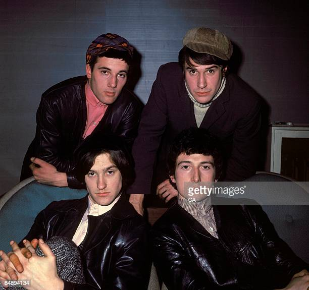 Photo of Dave DAVIES and KINKS and Pete QUAIFE and Mick AVORY and Ray DAVIES L to R Mick Avory Ray Davies Dave Davies Pete Quaife posed group portrait