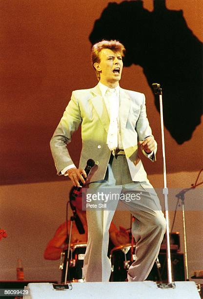 STADIUM Photo of David BOWIE performing live onstage at Live Aid