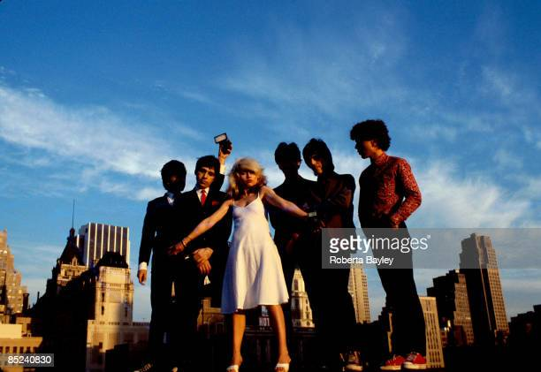 Photo of Debbie HARRY and BLONDIE and Clem BURKE and Chris STEIN LR Clem Burke Chris Stein Debbie Harry Jimmy Destri Frank Infante Nigel Harrison