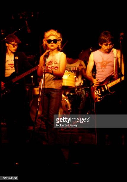 S Photo of Debbie HARRY and BLONDIE and Gary VALENTINE and Clem BURKE L to R Gary Valentine Debbie Harry Clem Burke Chris Stein