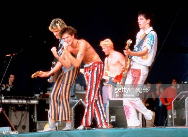 FESTIVAL Photo of DIE TOTEN HOSEN and Michael BREITKOPF and Andreas FREGE and Andreas VON HOLST and Andreas MEURER LR Michael Breitkopf Campino...
