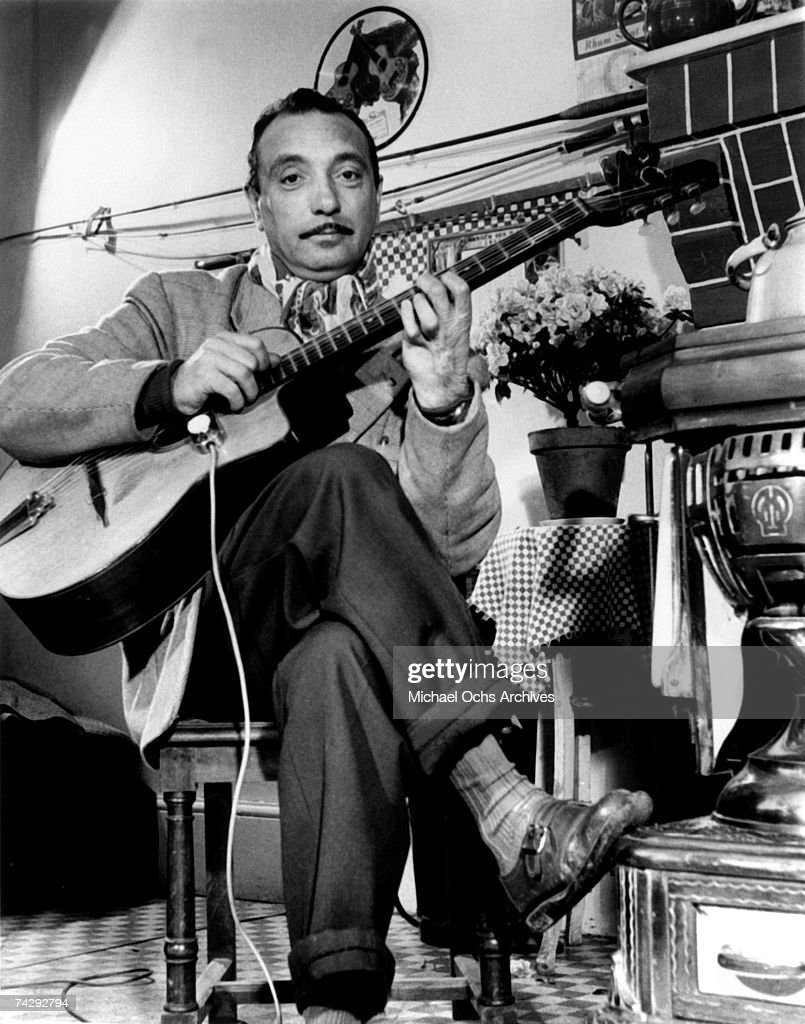 Photo of <a gi-track='captionPersonalityLinkClicked' href=/galleries/search?phrase=Django+Reinhardt&family=editorial&specificpeople=1567148 ng-click='$event.stopPropagation()'>Django Reinhardt</a>, <a gi-track='captionPersonalityLinkClicked' href=/galleries/search?phrase=Django+Reinhardt&family=editorial&specificpeople=1567148 ng-click='$event.stopPropagation()'>Django Reinhardt</a>, Paris France Late 1940s Photo by Michael Ochs Archives/Getty Images