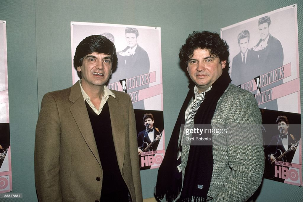 Photo of Don EVERLY and Phil EVERLY and EVERLY BROTHERS; Phil Everly and Don Everly - posed
